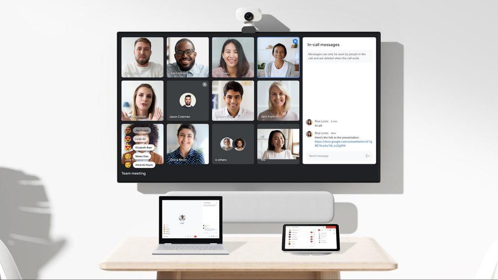 Pantalla de ordenador con una videollamada con Google Workspace